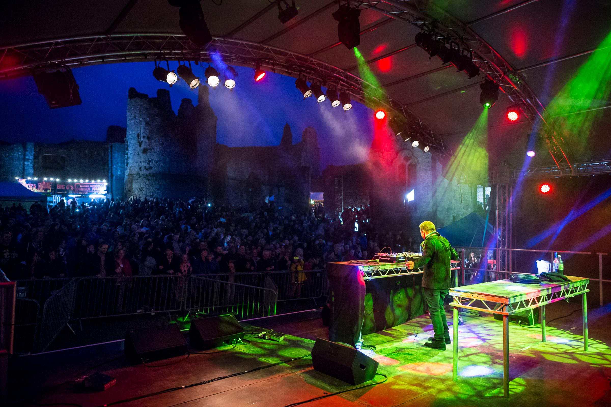 The Shires, Martin Kemp, S Club 3 and Reef at Chepstow Castle festival