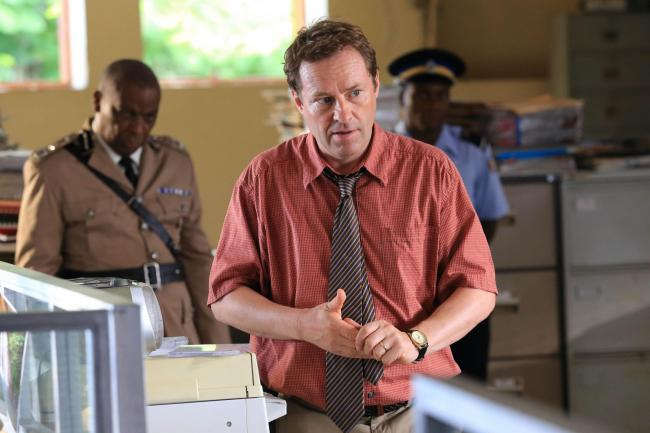 Ardal O'Hanlon as detective Jack Mooney in Death In Paradise
