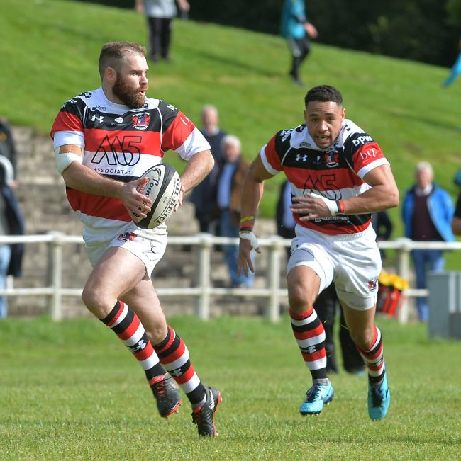 FAVOURITES: Geraint Walsh and Lloyd Lewis on the burst for Pontypool, who aim to avoid a cup upset against Cardiff Met this weekend