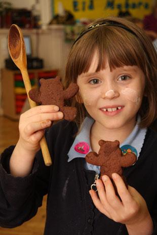 Children from Clytha Primary school Newport who made gingerbread people for the Children in Need  Abbie Melhuish with examples
