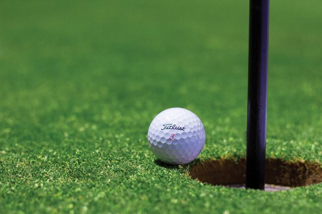 Golf courses to reopen