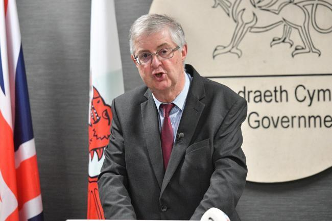 Mark Drakeford gave the same indication to the tourism industry to prepare that non-essential retailers had three weeks ago