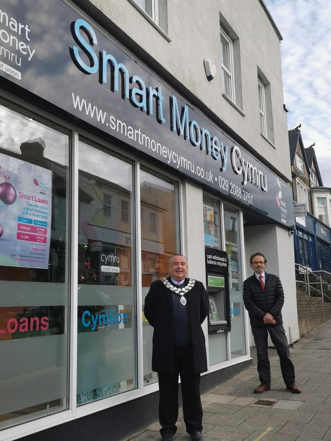 Supporting the community: Town Mayor of Caerphilly Cllr Michael Prew and Smart Money Cymru Chairperson Alun Taylor