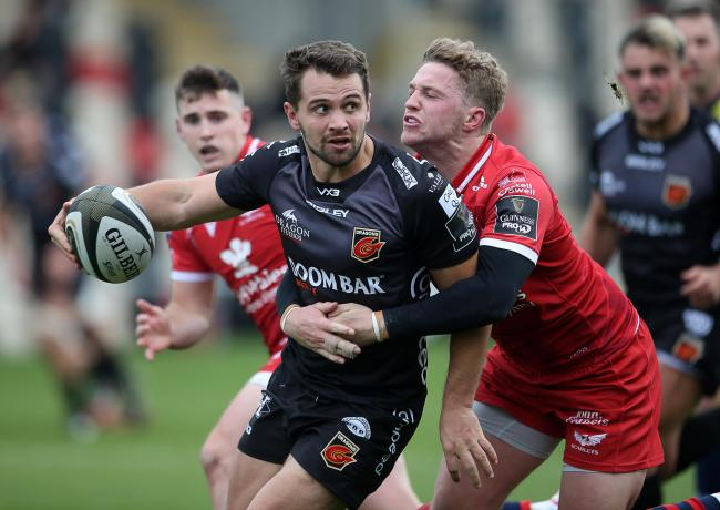 DEAL: Joe Thomas will help the Dragons with match preparations