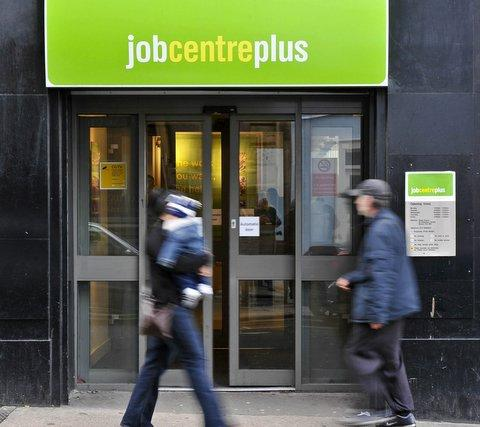 Wales jobless total falls by 1,000
