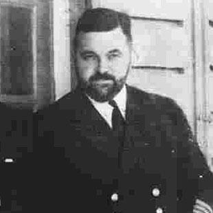 HONOUR: The Malpas birthplace of Newport's submariner hero, Commander John 'Tubby' Linton VC, is to get a blue plaque