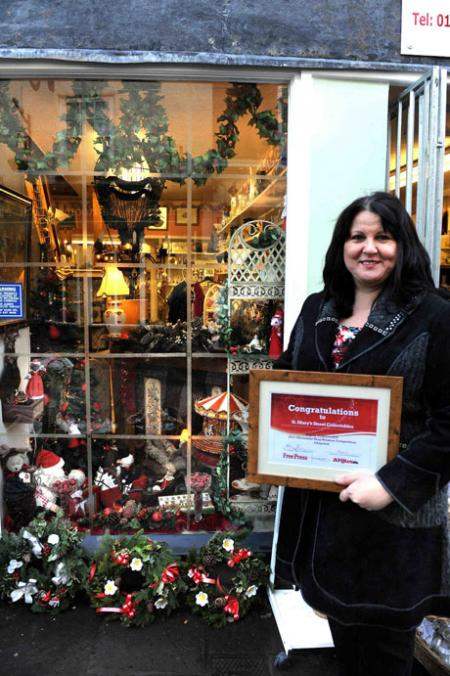 GWENT traders with the