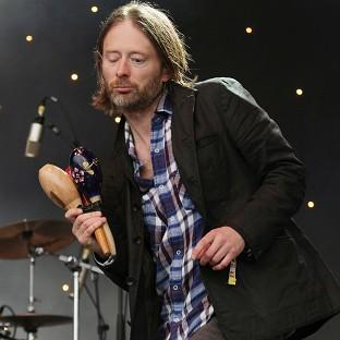 One person has died while preparing a stage for a concert by Radiohead, led by singer Thom Yorke