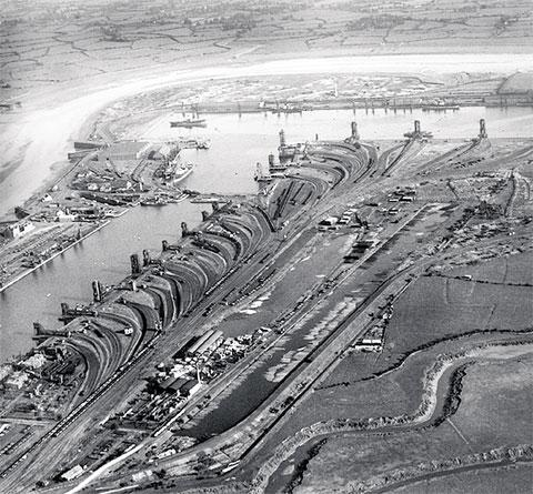 South Wales Argus: NEWPORT DOCKS: A picture from 1926