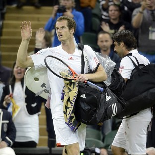 Andy Murray left it late but eventually recorded a third-round victory over Marcos Baghdatis