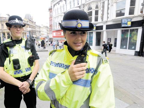 COLLABORATION: PC Jo Melen, left, and PCSO Perrie Eedy on patrol in Newport city centre