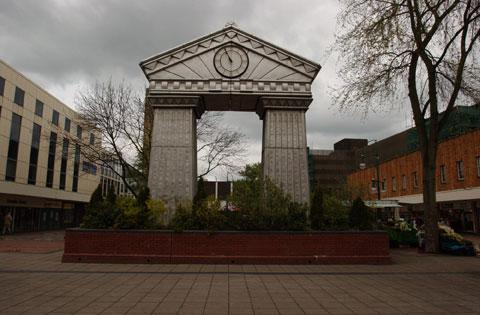 The Festival Clock in John Frost Square in 2004