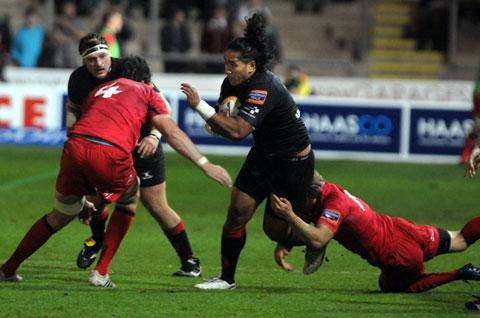 POWERHOUSE: Dragons centre Andy Tuilagi at his barnstorming best