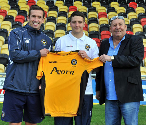 ON PARADE: Newport County's latest signing Conor Washington with manager Justin Edinburgh, left, and chairman Les Scadding