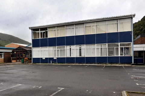 Cwmcarn pupils in limbo as asbestos school stays shut