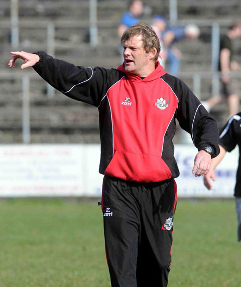 Neil Edwards leaves Ebbw Vale for Neath