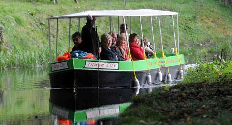 The Islwyn Lilly's maiden voyage up the Crumlin arm of the Monmouthshire and Brecon Canal