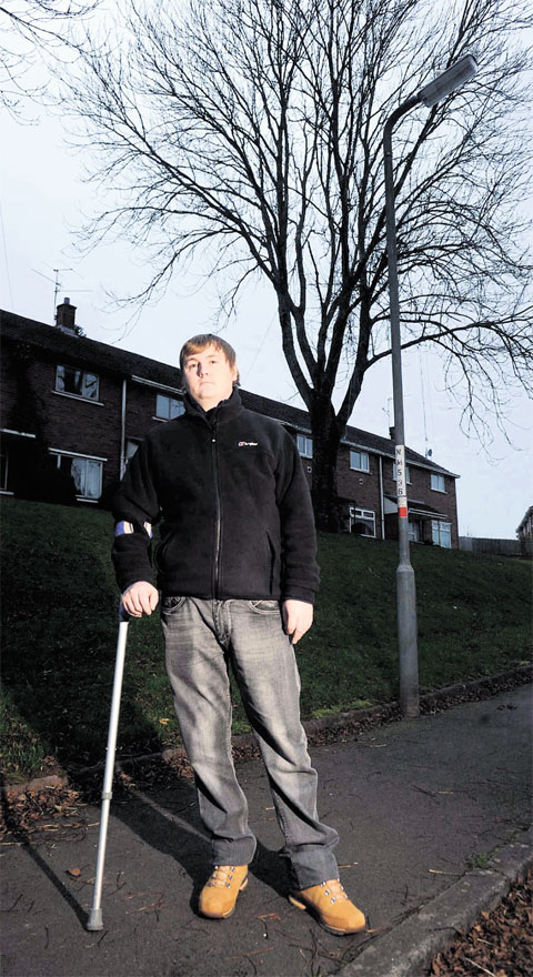 Newport war veteran calls for street lights to switch-on
