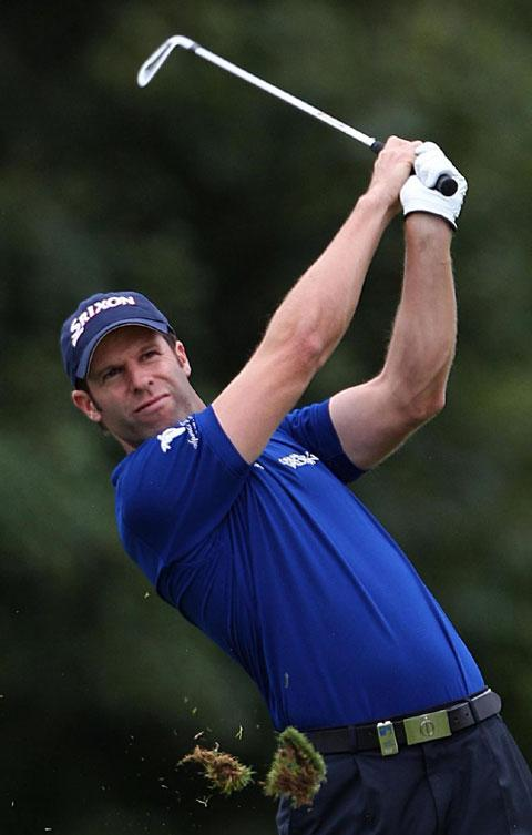 Bradley Dredge leads at China Open