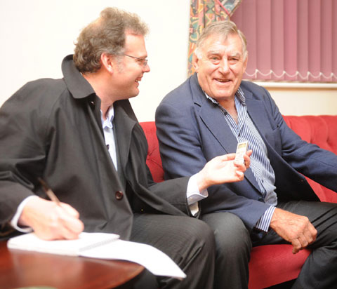 LEGEND: Sir Colin Meads talking to Argus rugby writer Iwan Davies