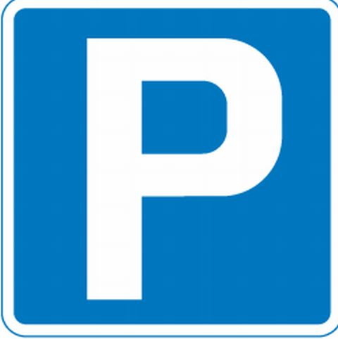 Newport Council ignores 4,000 residents over free parking axe