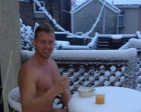 COOL: Lee Cartwright of Newbridge enjoys breakfast in the snow