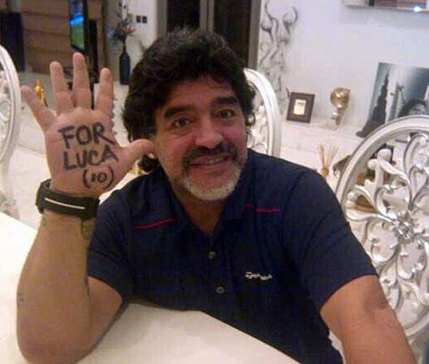 HELPING HAND 1: Maradona shows his support for Luca