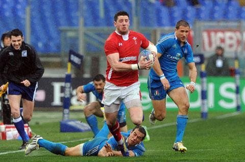 Headaches for Howley as clinical Wales show their character
