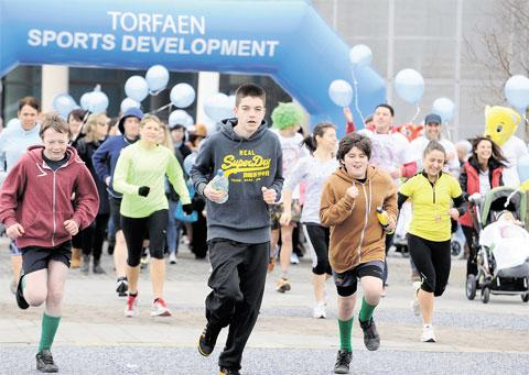 THEY'RE OFF: 5k charity fun run to raise funds for Casey Hard