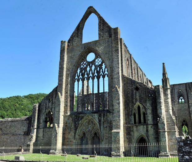 Tintern Abbey scoops tourism award