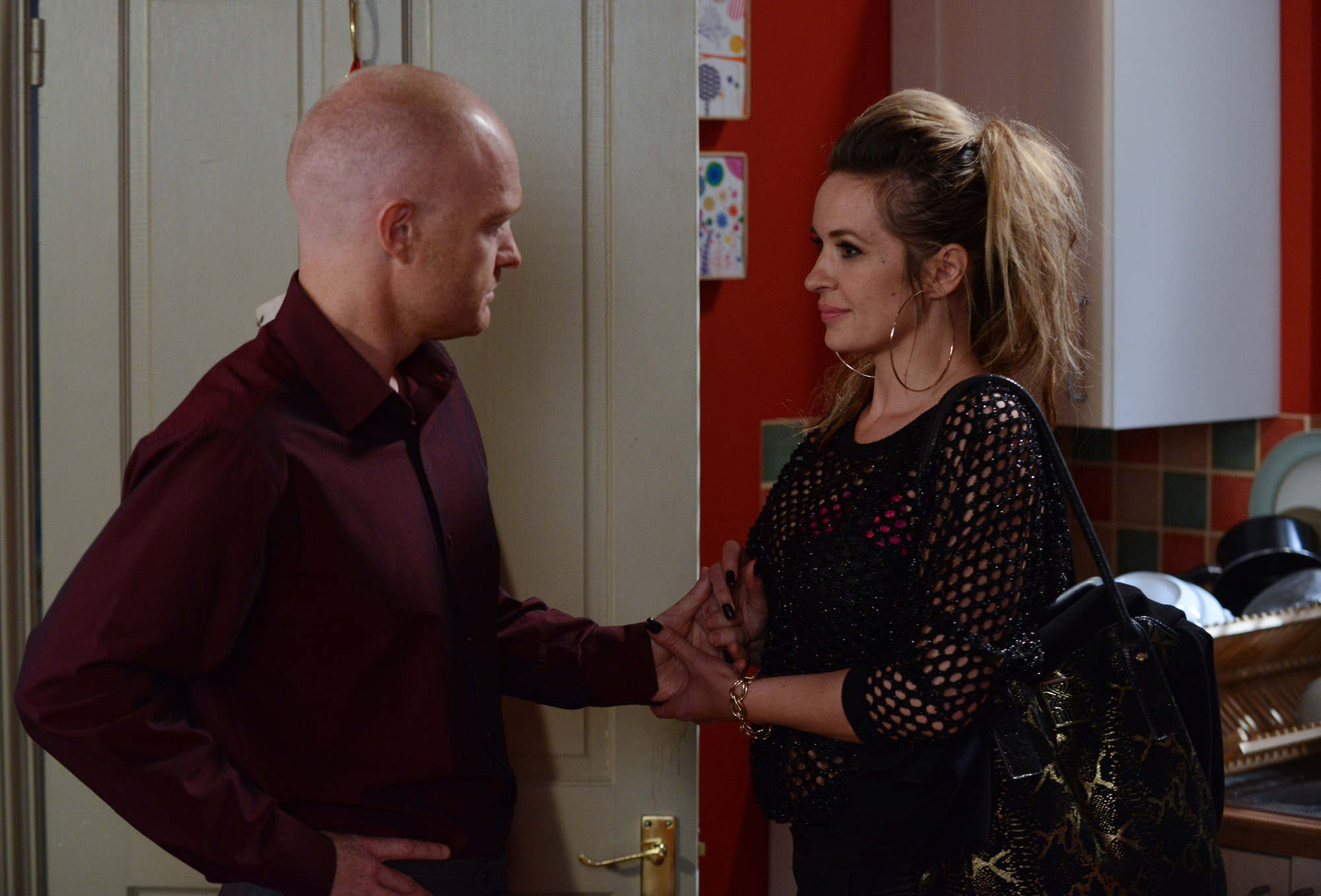 Programme Name: EastEnders - TX: 09/08/2013 - Episode: n/a (No. 4689) - Embargoed for publication until: 30/07/2013 - Picture Shows: Lauren brings Kirsty over to see Max. She arrives with her suitcase and it's clear that she wants them to give things