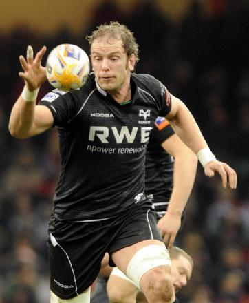 Alun Wyn Jones pens news Ospreys deal
