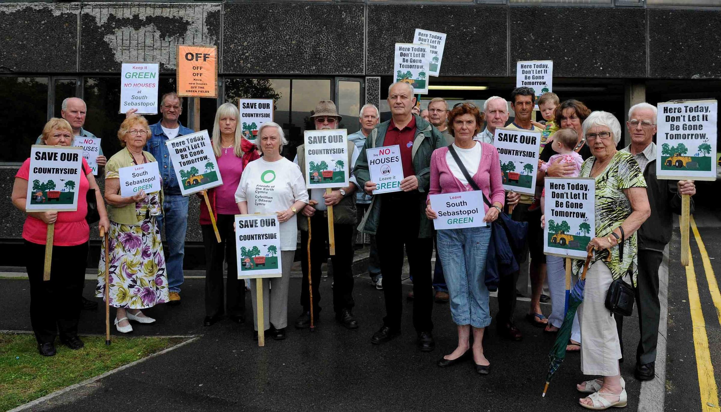 Battle goes on for 'last green space'between Cwmbran and Pontypool