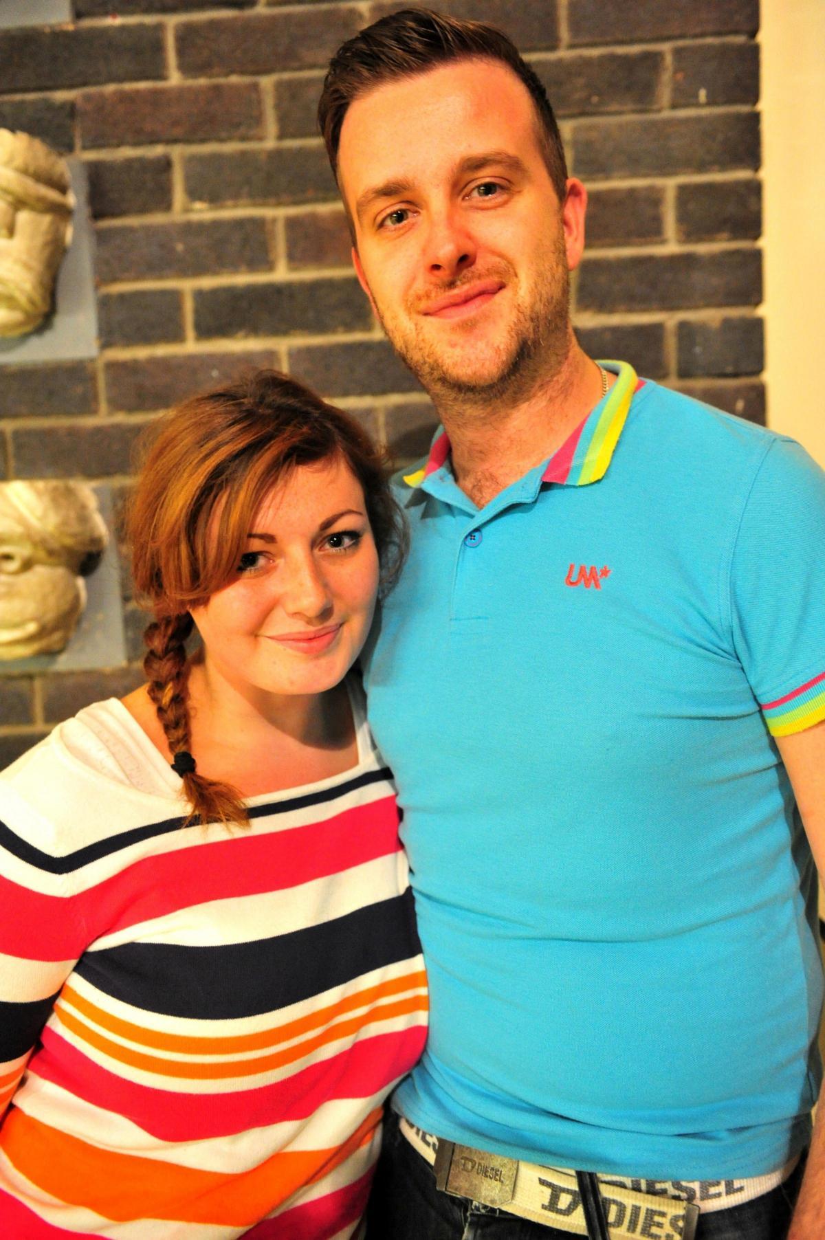 isoveli Danielle ja Shane dating