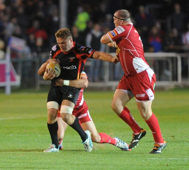 Lewis Evans skippers Dragons in Andrew Coombs' absence
