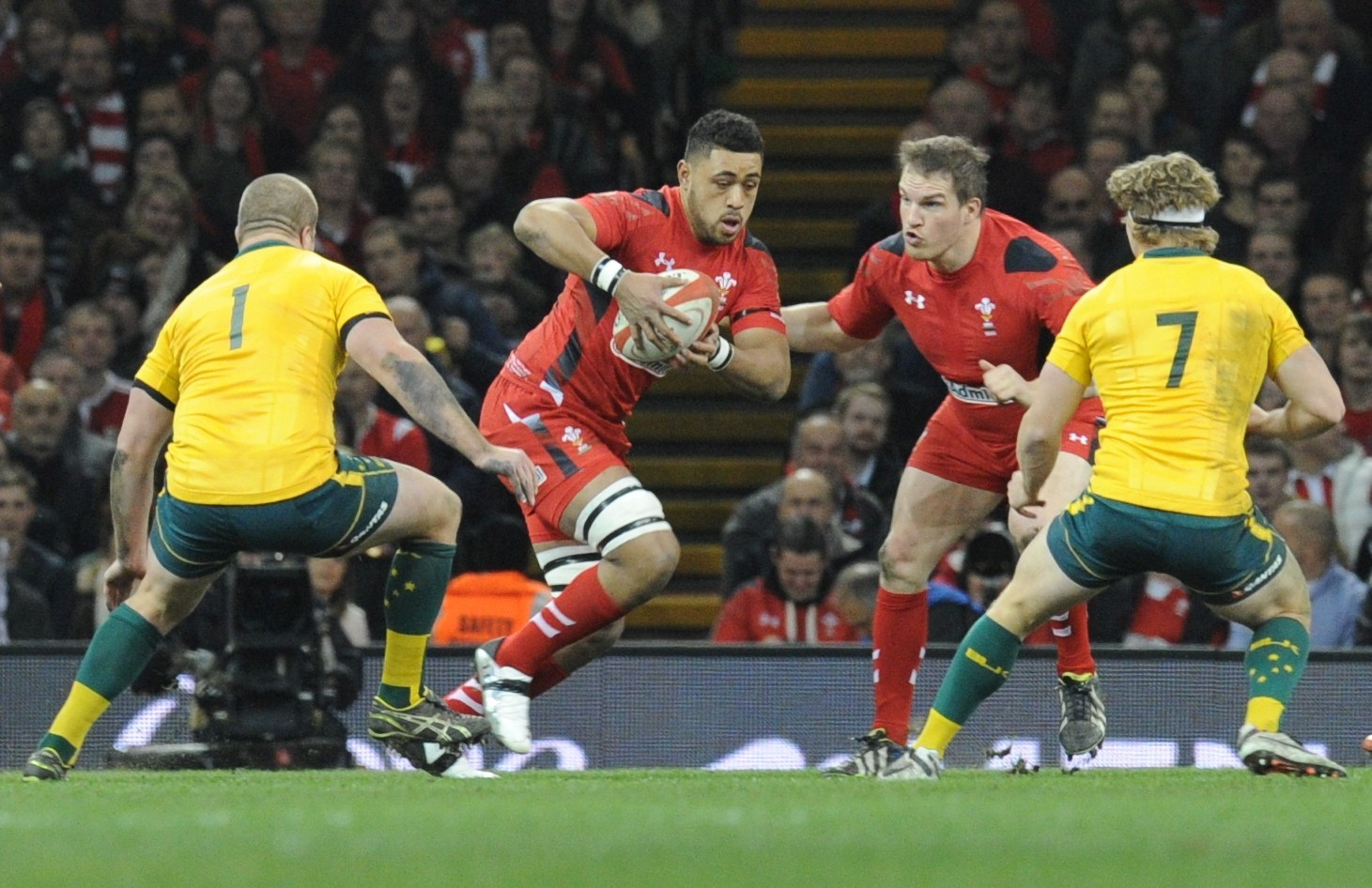 Wait for scalp goes on for impressive Toby Faletau