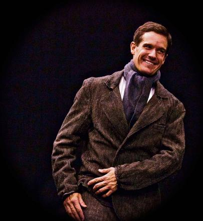 Newport actor-playwright Daniel Llewelyn-Williams brings show on Harry Houdini to city