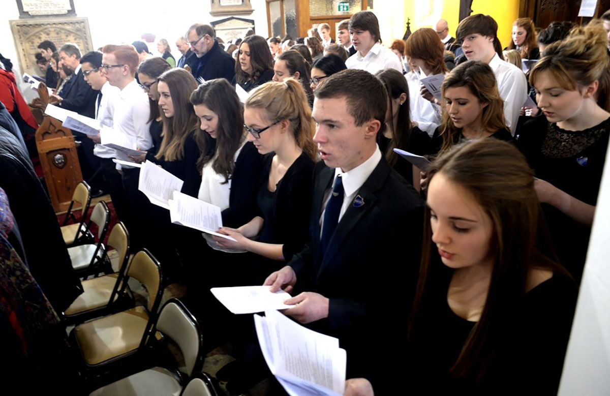 MEMORIAL: Pupils of various schools join i