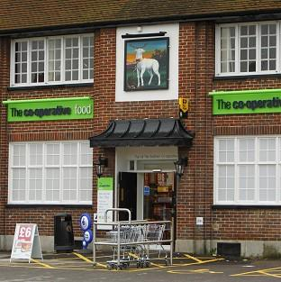 Supermarkets 'targeting pubs' - Camra