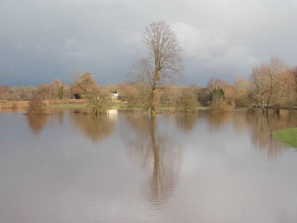 Flood warning remains for River Wye at Monmouth