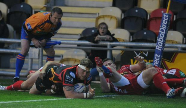 South Wales Argus: Phil Price scores a try (1188633)