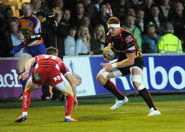South Wales Argus: Coombs back to lead Dragons at Scarlets