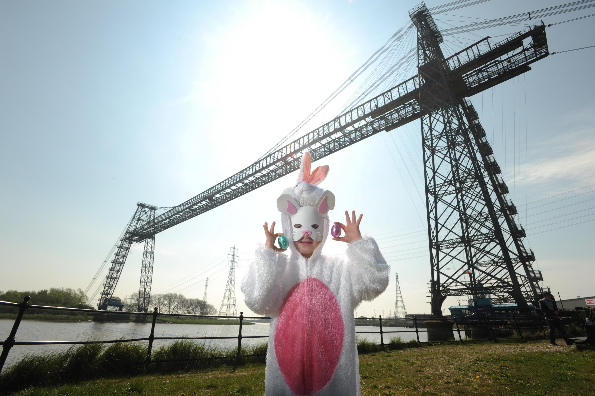 Hundreds turn out to Transporter Bridge fun day