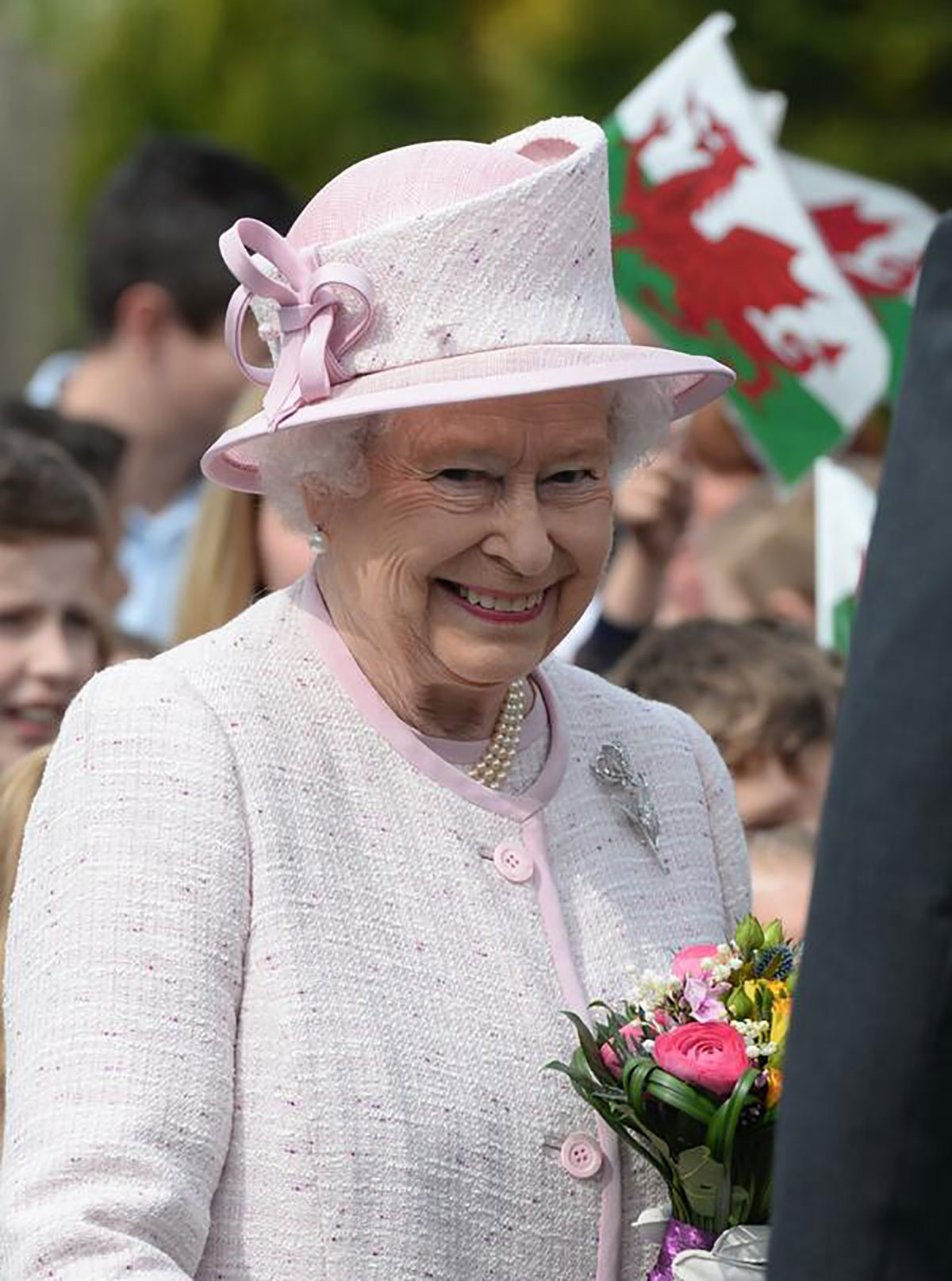 LIVE: Queen comes to Ystrad Mynach