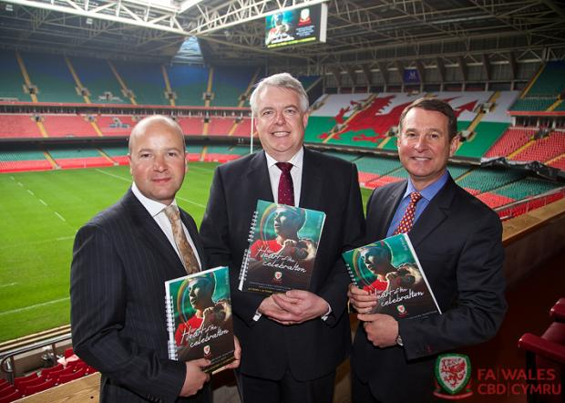BID TEAM: FAW chief executive Jonathan Ford, First Minister Carwyn Jones and WRU group chief executive  Roger Lewis