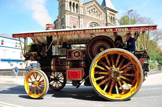 South Wales Argus: SWA ST Kath Skellon 26/05/2013  The Abergavenny steam, veteran and vintage rally, the parade of engines makes its way through the town (6371966)