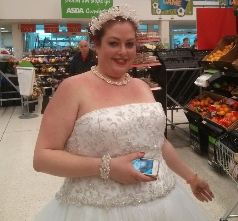 quality cozy fresh size 7 VIDEO: Bride goes shopping at Asda Cwmbran - in wedding ...