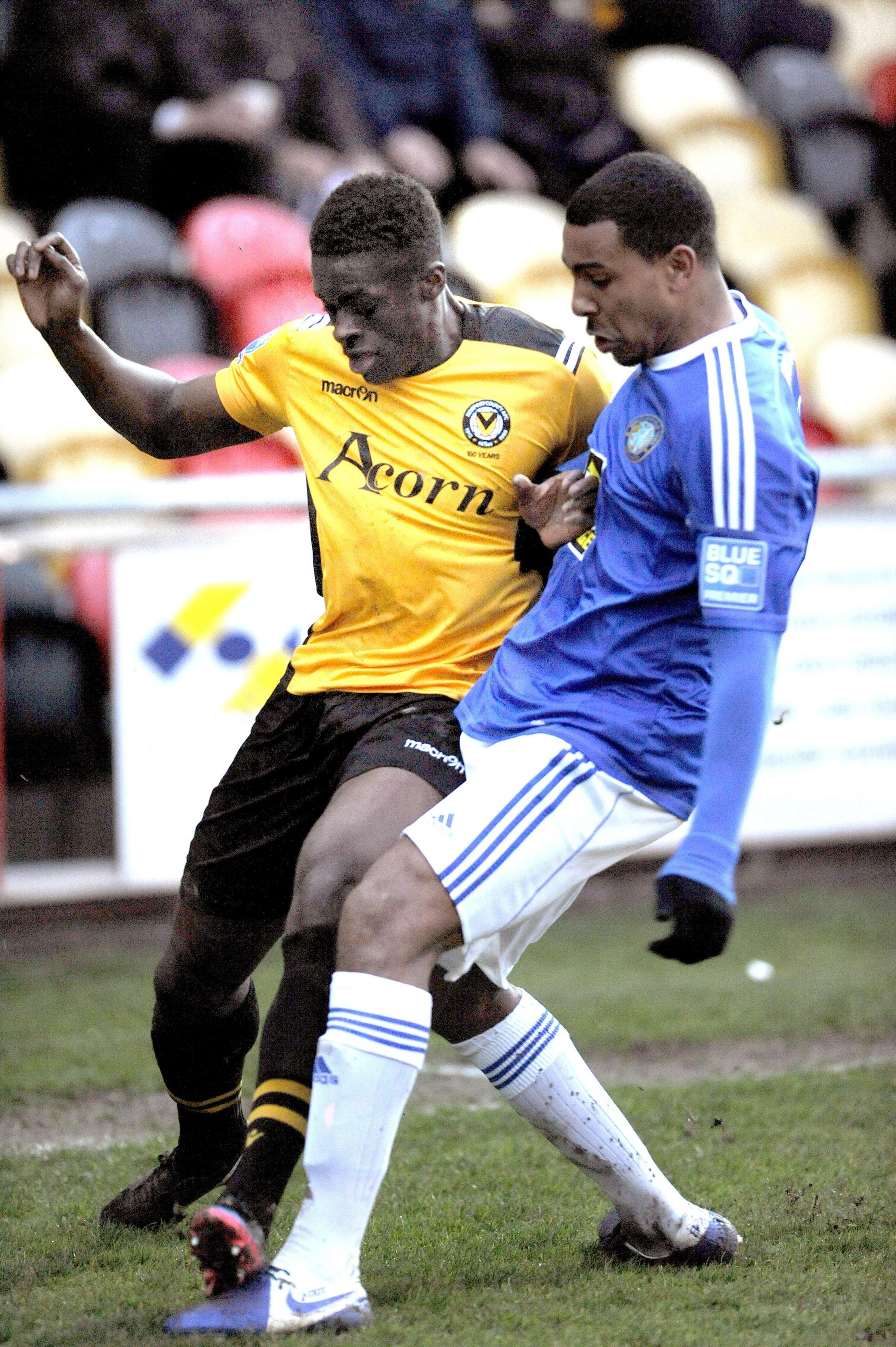 SWA MIKE LEWIS 11 4 13 REPORTER.NEWPORT COUNTY V MACCLESFIELD TOWN.NEWPORT COUNTY'S MICHAEL BOATENG IN THE THICK OF IT. (7241749)