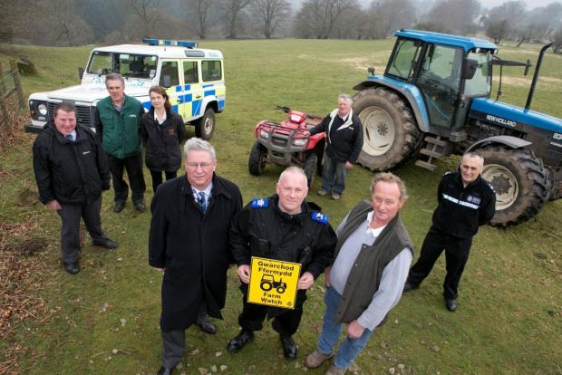 02.04.14Police and Crime Commissioner for Gwent, Ian Johnston, visits Howard Vickery on his farm, Ty Oakley, Crumlin to promote Farm Watch (8767169)