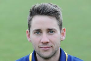 Chris Cooke: Glamorgan's battling victory keeps qualification hopes alive
